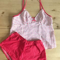 View details for the project Polkadot Fifi pyjamas on BurdaStyle.Janine's Fifi pyjamas - sewing pattern by Tilly and the Buttons Tilly And The Buttons, Cute Sleepwear, Pajama Outfits, Cute Comfy Outfits, Pretty Lingerie, Sewing Clothes, Business Fashion, Pyjamas, Dressmaking