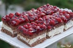 Vadelma-Marianne -leivokset Sweet Desserts, Vegan Desserts, Sweet Recipes, Dessert Recipes, Finnish Recipes, Cheesecake, Sweet Pastries, Sweet And Salty, Let Them Eat Cake