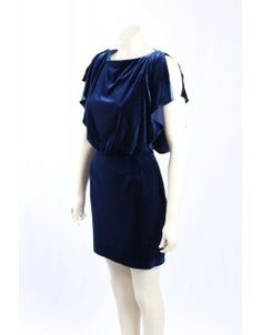The dress is in a soft velvet with a boat neck and open cap sleeves in size 14 Blue Velvet, Boat Neck, Cap Sleeves, Royals, Royal Blue, Designer Dresses, Size 14, Dresser, Fashion Dresses