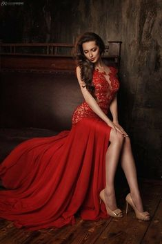 Stunningly Beautiful, Beautiful Women, Glamour Photo Shoot, Shotting Photo, Pageant Gowns, Red Fashion, Dream Dress, Sexy Legs, Lady In Red
