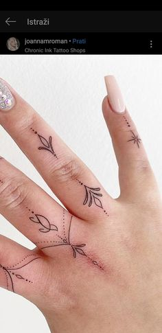 Sister Tattoos, Mini Tattoos, Fringes, Henna, Tatting, Artsy, Tattoo Ideas, Tattoos On Fingers, Dainty Tattoos