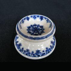 Salière en porcelaine tendre de Saint-Cloud XVIIIe siècle