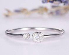 HANDMADE RINGS & BRIDAL SETS by MoissaniteRings on Etsy Bridal Ring Sets, Bridal Rings, White Gold Rings, Silver Rings, Engagement Presents, Bezel Set Ring, Clover Green, Handmade Rings, Floral Border