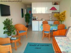 T2, splendide vue mer, parking, piscine: Salon - France-Voyage.com