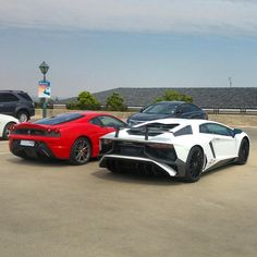 That's one SERIOUS combo spot if you ask me! Aventador SV 430 Scuderia spotted by @114_tglou yesterday! #Zero2Turbo #ExoticSpotSA #SouthAfrica #Lamborghini #AventadorSV #Ferrari #430 #Scuderia