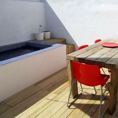SPANISH SHIPPING CONTAINER RETREAT