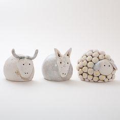 Keramik Krippenfiguren von isi-way.com Nativity Crafts, Christmas Nativity, Christmas Deco, Book Crafts, Clay Crafts, Christmas Crafts, Ceramic Clay, Ceramic Pottery, Clay Art Projects