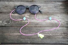 Sunny Strap, Eyeglass Chain, Eyeglasses Chain, Sunglass Retainers, Sunglasses Strap, Eyeglass Retainer, Sunglasses Retainers, sunglass strap, sunglasses chain, glasses chain, sunglass chain, sunglass cord, seed bead strap, Lenzenvloeistof snoer, lenzenvloeistof ketenhouder door ByBlosJewelry Eyeglass Holder, Eye Glasses, Body Jewelry, Eyewear, Jewelery, Chain, Sunglasses, Style, Chains