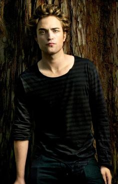 Robert Pattinson. plus hes a vampiare and i luv vampires