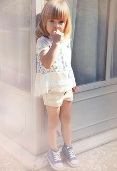 TWIN-SET Simona Barbieri: Patchwork T-shirt and two-tone satin shorts, shoes