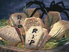 Merienda divertida! Sandwiches funerarios para halloween // Fun Snack!!