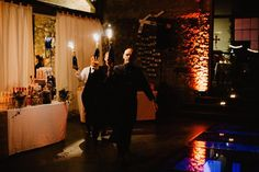 Mon équipe ! Weddingday  #evenement #event #evenementiel #mariage #mariage2018 #wedding #weddingday #weddingdress #catering #weddingcatering #traiteur #traiteurmariage #good #food #foodporn #foodstagram #foodlover #mer #provence #var #toulon #cotedazur #bonheur #douceur #gentillesse #unemarieeautop #unmarienor #equipe #team #teamdv