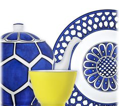 "Bleus d'Ailleurs - Bring together daily life and the imagery of travel on your table with a graceful nomadic blue. A story of ""white and blue"" made up of endless journeys between Europe and the Orient."