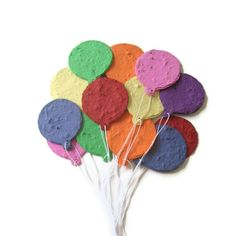 Kids birthday party favor, birthday decoration, graduation place card - Plantable paper balloons made of handmade paper and flower seeds