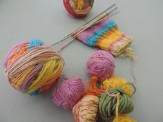Make A Magic Yarn Ball  •  Free tutorial with pictures on how to make a yarn in under 120 minutes