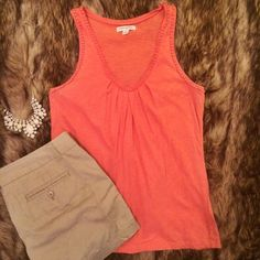 Banana Republic tank top Salmon color Banana Republic tank top. This is a scoop neck tank top with pretty detail around the neck. Good condition, but some signs of wear at the arms pits - some pilling. Banana Republic Tops Tank Tops