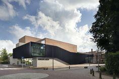 *암스테르담 '싱어 로렌' 박물관-[KRFT adds two-tone brick theatre to Singer Laren museum] Vincent Van Gogh, Amsterdam, Van Gogh Landscapes, Theater, Public Architecture, Modern Architecture, Van Gogh Paintings, Theatre Design, Brick Building