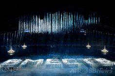 フィシュト五輪スタジアム(Fisht Olympic Stadium)で行われたソチ冬季パラリンピック開会式の様子(2014年3月7日撮影)。(c)AFP/KIRILL KUDRYAVTSEV ▼8Mar2014AFP|クリミア危機の中、プーチン露大統領がパラリンピックを開会 http://www.afpbb.com/articles/-/3009987 #Sochi2014 #Paralympic