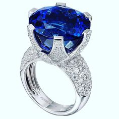 A Shimansky Ayanda Tanzanite Ring fit for a queen. #shimansky #Tanzanite #capetown #jewels #jewelrydesign #jewelry erydesigners