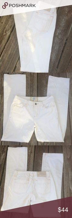 "🎀Sale🎀 NWOT | WHBM - Blanc Bootcut Jeans New without tags. Never worn or washed. Bootcut jeans from White House Black Market in an Off-white color. Standard 32"" inseam. White House Black Market Jeans Boot Cut"