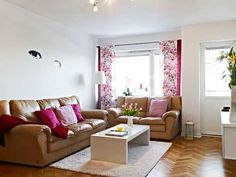 Living Room Design For Small Space With Wooden Floor Colorful