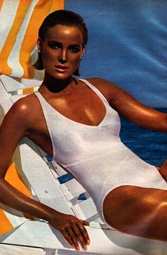 Estée Lauder Sun, Glamour magazine, May 1985. Photograph by Victor Skrebneski.