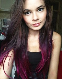 I love how pink and purple is blended in. Perfect dip dyed hair for summer!