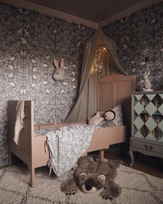Another gorgeous image by Elin Wallin featuring our Garbo & Friends wallpaper. Baby Bedroom, Girls Bedroom, Bedroom Decor, Little Girl Rooms, Kid Spaces, Kids Decor, Kids Furniture, Kids Room, English