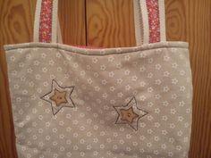 Tote bag. Parte posterior. Telas, detalles y diseño de Anna Ramirez.