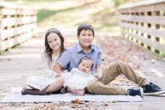 Fall family photo session in Apex, NC by Traci Huffman Photography. THP is a lifestyle and wedding photographer based in Holly Springs, NC.