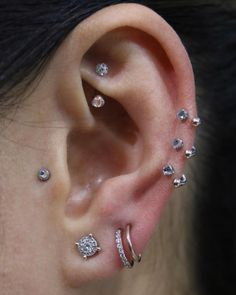 1 Rook, 3 Cartilage, 1 Tragus, 3 Lobe Source by briannadehn Tragus Piercings, Double Cartilage Piercing, Cute Ear Piercings, Body Piercings, Cartilage Earrings, Stud Earrings, Tragus Jewelry, Ear Piercings, Piercing Tattoo