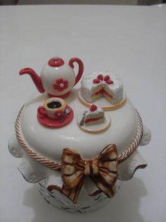 tea time                                                                                                                                                                                 Mais