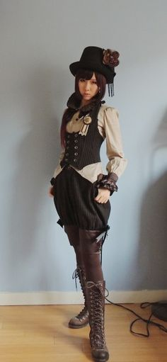 Wondering what is Steampunk? Visit our website for more information on the latest with photos and videos on Steampunk clothes, art, technology and more. Steampunk Kids, Moda Steampunk, Casual Steampunk, Steampunk Cosplay, Victorian Steampunk, Steampunk Clothing, Steampunk Fashion, Steampunk Witch, Steampunk Vest