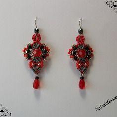 Boucles d'oreille en macramé avec perles facettes et perles rocailles
