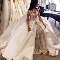 #wedding#bride#brdaylife#bridestyle#bridaldress http://gelinshop.com/ipost/1521144845024278693/?code=BUcMS1blril