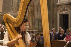 RASSEGNA 44°58'0''N 7°40'0''E LOGGIA D'ARTE VI (2015)- DUO Arpa e Fisarmonica – Sara Manna: arpa e Stefano Milanesio: fisarmonica.