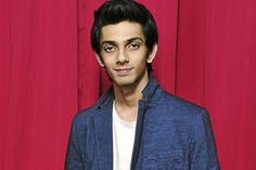 Anirudh ropes in Yesudas for Kaththi http://www.cinesprint.com/kollywood/cine-buzz/1298-anirudh-ropes-in-yesudas-for-kaththi.html