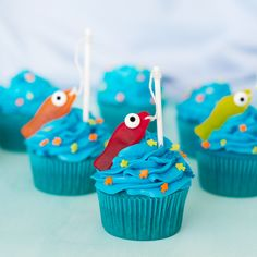 Aqua Blue Seaside Cupcakes Fishing for a fun new dessert ideas? These fishing cupcakes will have your kids hooked. Candy Melts, Fish Cake Birthday, Cupcakes For Birthday, Fishing Birthday Cakes, Boy Birthday Cupcakes, Fathers Day Cupcakes, Baby Cupcake, Cupcakes For Boys, Themed Cupcakes