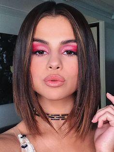 15 of Selena Gomez's All-Time Best Makeup Looks. 15 of Selena Gomez's All-Time Best Makeup Looks. Burgundy Makeup Look, Vintage Makeup Looks, Purple Makeup Looks, Soft Makeup Looks, Glitter Makeup Looks, Glam Makeup Look, White Makeup, Fall Makeup Looks, Creative Makeup Looks