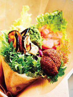 Tokyo Sandwiches : 【Kuumba du Falafel/クンバ ドゥ ファラフェル】まるで花束のような中東発のヴィーガンサンド