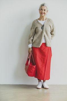 Retro Fashion, Womens Fashion, Advanced Style, Japan Fashion, British Style, Old Women, Skirt Fashion, Vintage Dresses, Personal Style