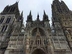 A Catedral de Notre-Dame de Rouen ou Catedral de Nossa Senhora de Ruão é uma catedral católica, em estilo gótico, situada em Ruão, na região da Normandia, no noroeste da França. É a sede da Arquidiocese de Ruão