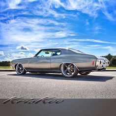 1972 chevrolet chevelle ss Upped by Tburg big block. Upped by Tburg My Dream Car, Dream Cars, Chevy Chevelle Ss, Chevrolet Camaro, Chevy Muscle Cars, Gm Car, Old School Cars, American Muscle Cars, Custom Cars