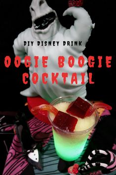 Nightmare Before Christmas themed cocktail, Worms, Dice, and Everything Nice. Oogie Boogie Cocktail Copy Cat DIY Disney Drink recipe from Oogie Boogie Bash. Disney Cocktails, Halloween Cocktails, Christmas Cocktails, Halloween Food For Party, Halloween Treats, Alcholic Halloween Drinks, Disney Themed Drinks, Halloween Witches, Drink Recipes