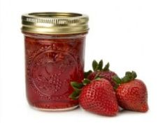 Make Your Own Strawberry Jam - pectin free (sugar and lemon)