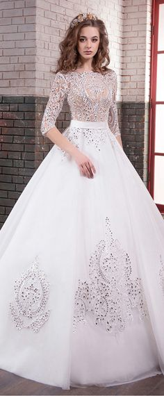Amazing Tulle Bateau Neckline A-line Wedding Dresses With Lace Appliques