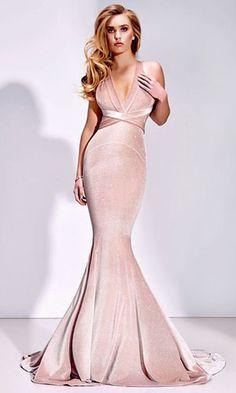 2c58d0488c 47 melhores imagens de vestido de veludo