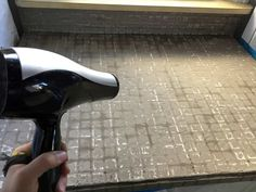 using a hair dryer to dry the first coat of feather finish concrete over tile counters Painting Tile Countertops, Diy Concrete Countertops, Tile Counters, Laminate Countertops, Kitchen Countertops, Countertop Makeover, Ipe Wood, Feather, Kitchen Ideas
