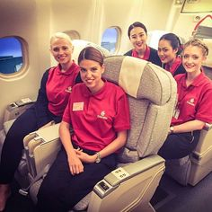 Eurostar or The Plane? Emirates Cabin Crew, Airline Uniforms, Sensible Shoes, Emirates Airline, Airplane Mode, Flight Attendant, First Photo, Aviation, Fly Girls