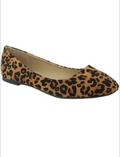 Look stylish in these leopard print ballet flats. Wear for a casual day shopping, work or dress them up for a night out. These are the perfect shoes to add to your collection. Don't miss out. They wil